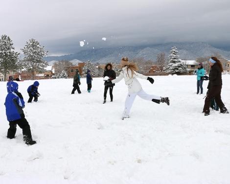 IMG_5204-SnowballFight