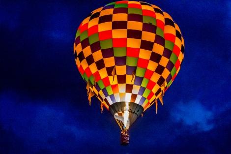 Balloon Fiesta 2015: October 9 - Dawn Patrol; 5:45:58 AM; 1/100 sec at f/4.0, ISO 6400 | Canon EF 70-200mm f/4 L IS USM